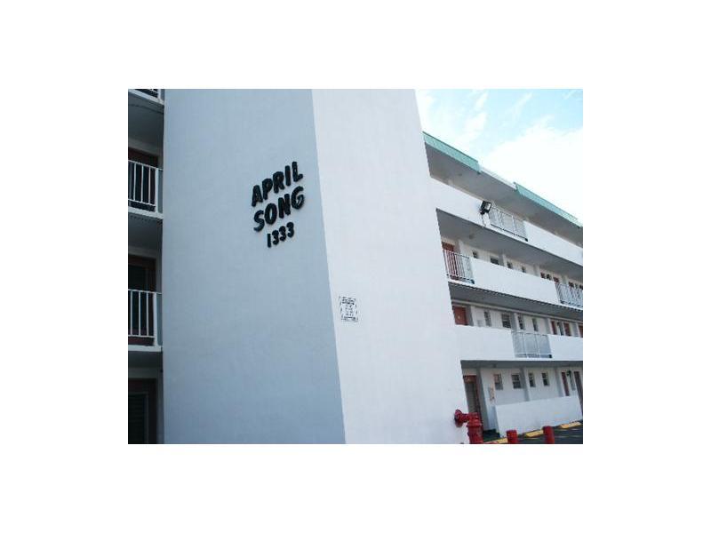 Rental Homes for Rent, ListingId:33410729, location: 1333 East HALLANDALE BEACH BL Hallandale 33009