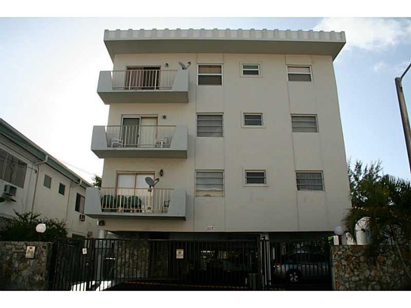 7925 Carlyle Ave # 303, Miami Beach, FL 33141