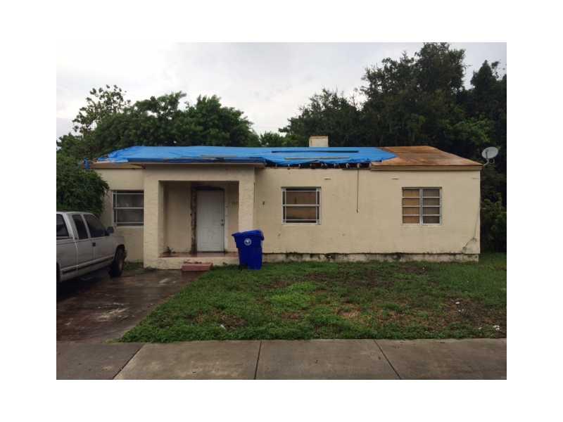 1015 NW 43rd St, Miami, FL 33127