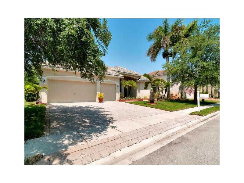 Real Estate for Sale, ListingId: 33530257, Pembroke Pines,FL33027