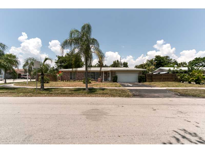 One of Fort Lauderdale Beach 3 Bedroom Pool Homes for Sale