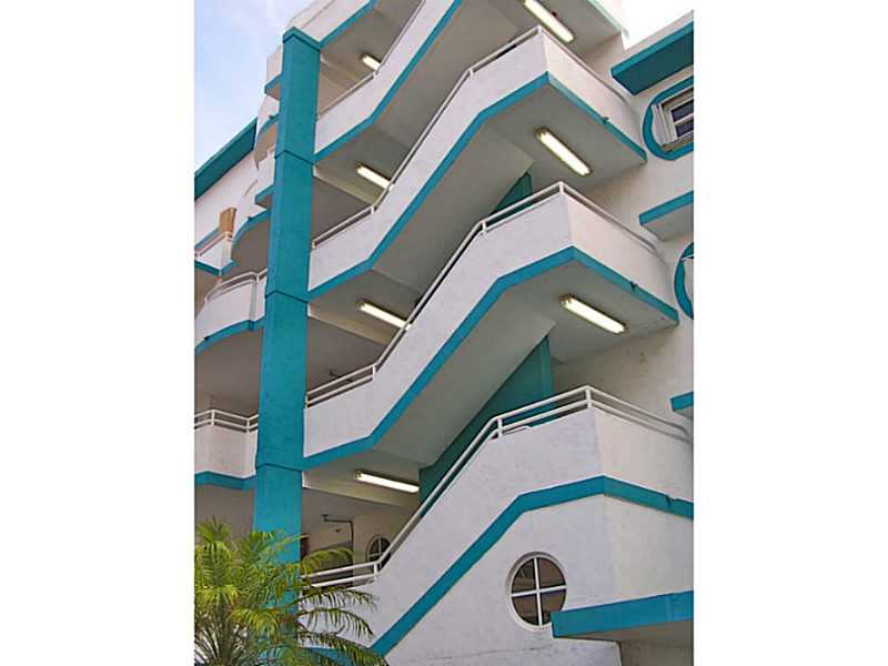 9156 Collins Ave # 405, Surfside, FL 33154
