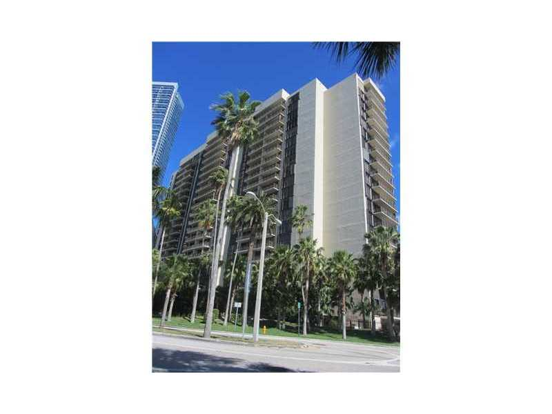 1450 Brickell Bay Dr, Miami, FL 33131