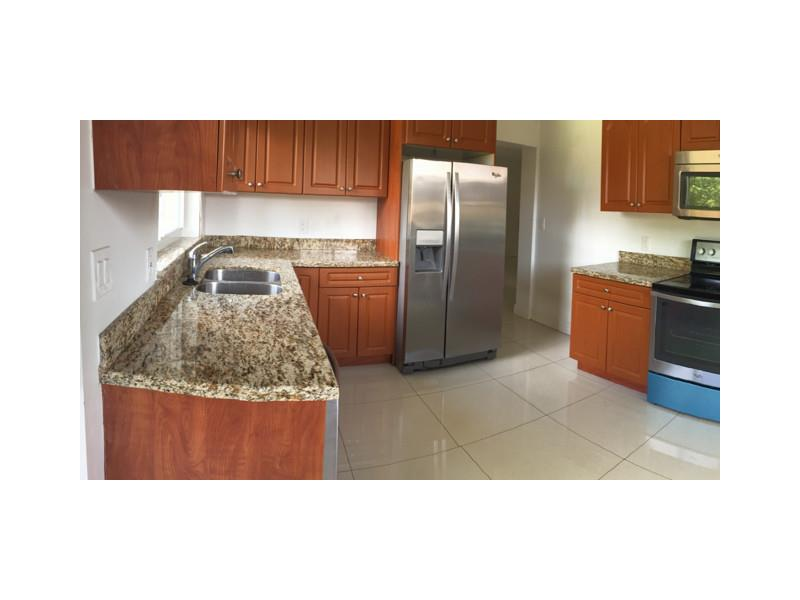 Rental Homes for Rent, ListingId:33679929, location: 2780 Southwest 90 AVE Miami 33165