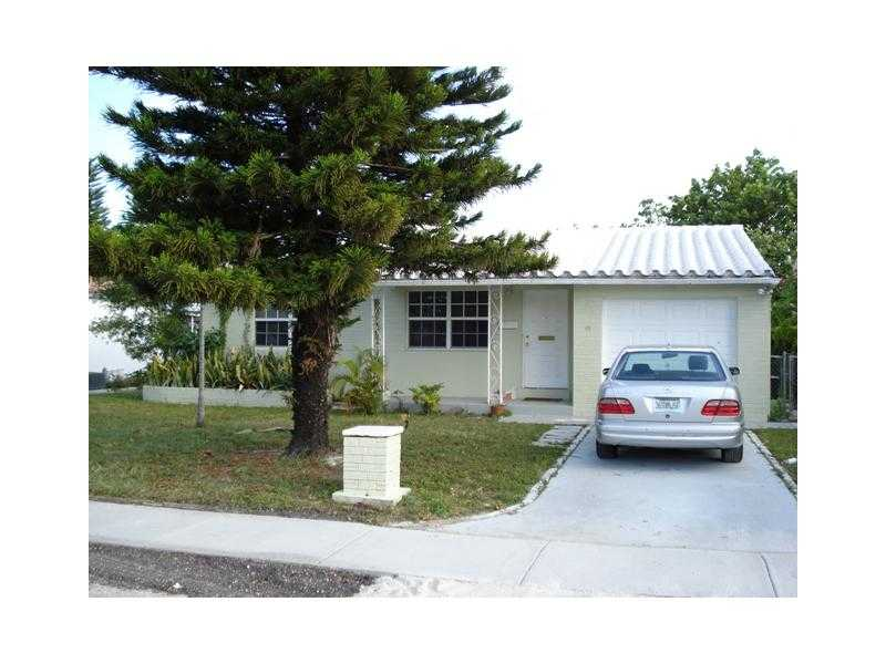 317 SW 14th St, Dania, FL 33004