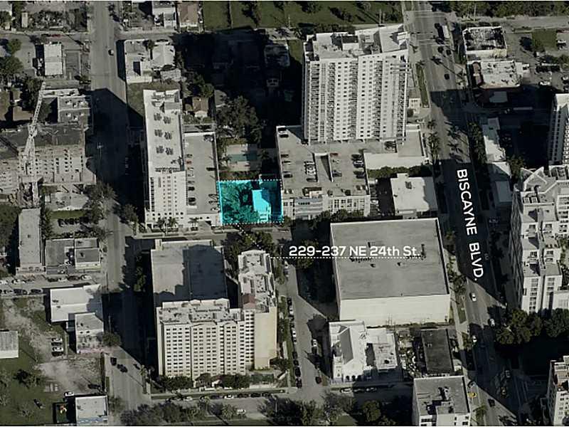237 NE 24th St, Miami, FL 33137