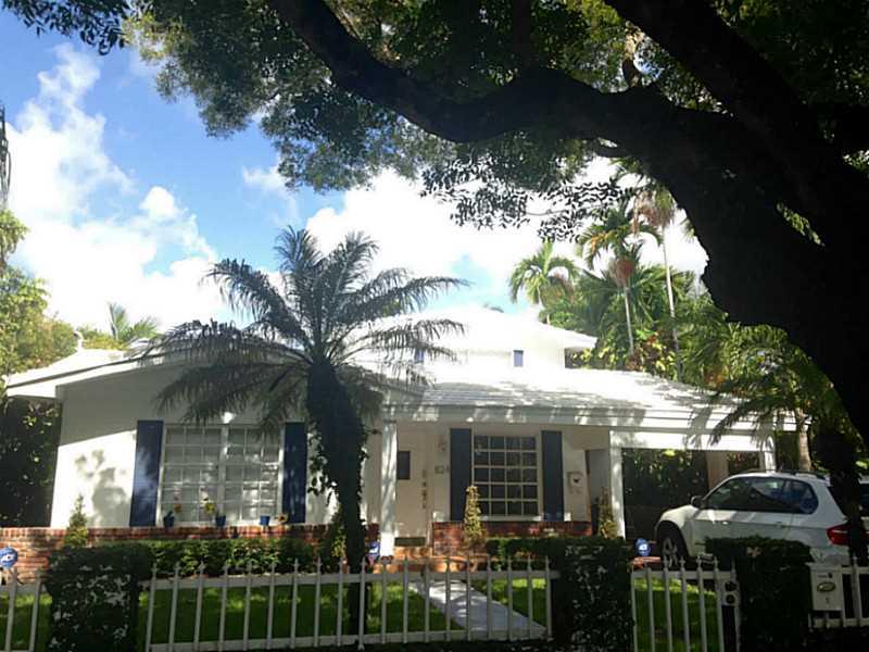824 Alberca St, Miami, FL 33134