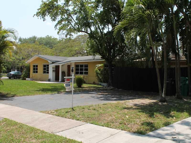11940 Sw 81st Rd, Miami, FL 33156
