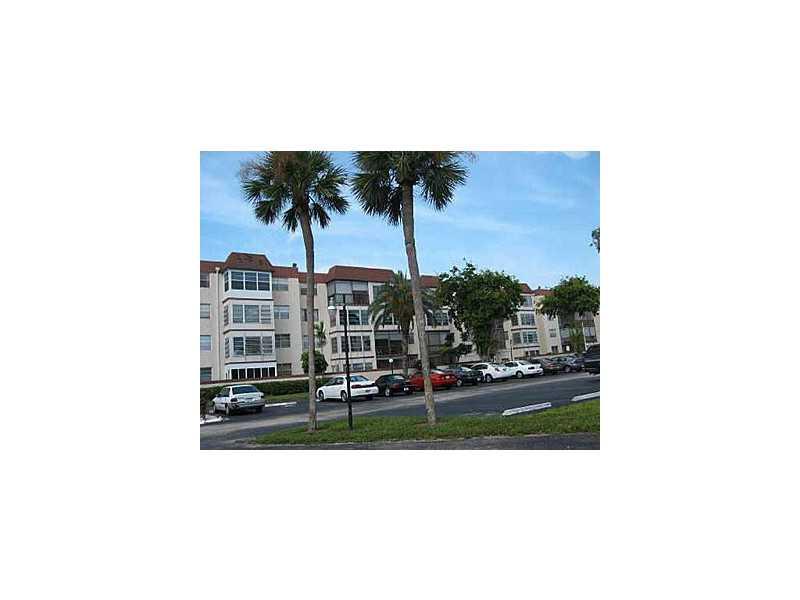 1681 NW 70th Ave, Plantation, FL 33311