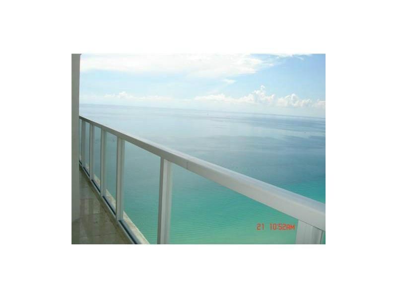 16699 Collins Ave, North Miami Beach, FL 33160