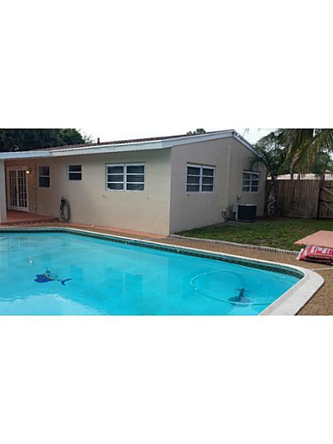 1555 Sw 21st Way, Fort Lauderdale, FL 33312