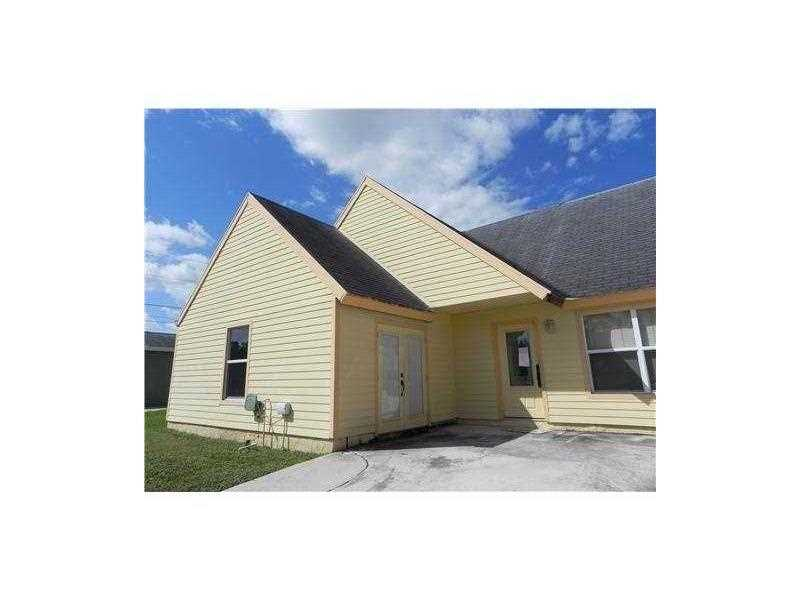 Rental Homes for Rent, ListingId:34162384, location: 6040 LACE WOOD CR Lake Worth 33462