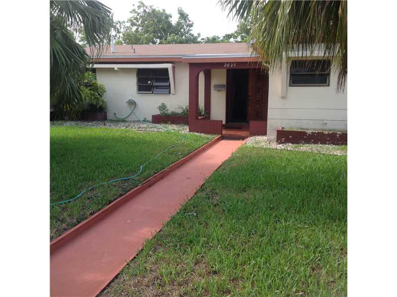 Rental Homes for Rent, ListingId:34162305, location: 2025 Northwest 191 ST Miami Gardens 33056