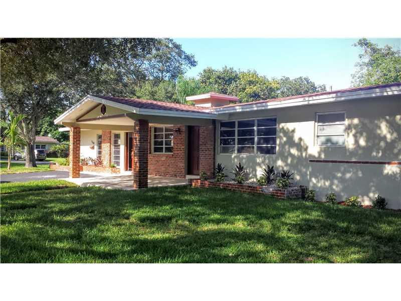 760 Sandlewood Ln, Fort Lauderdale, FL 33317