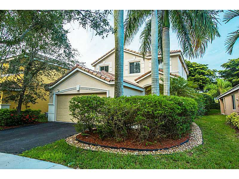 1566 Canary Island Dr, Fort Lauderdale, FL 33327