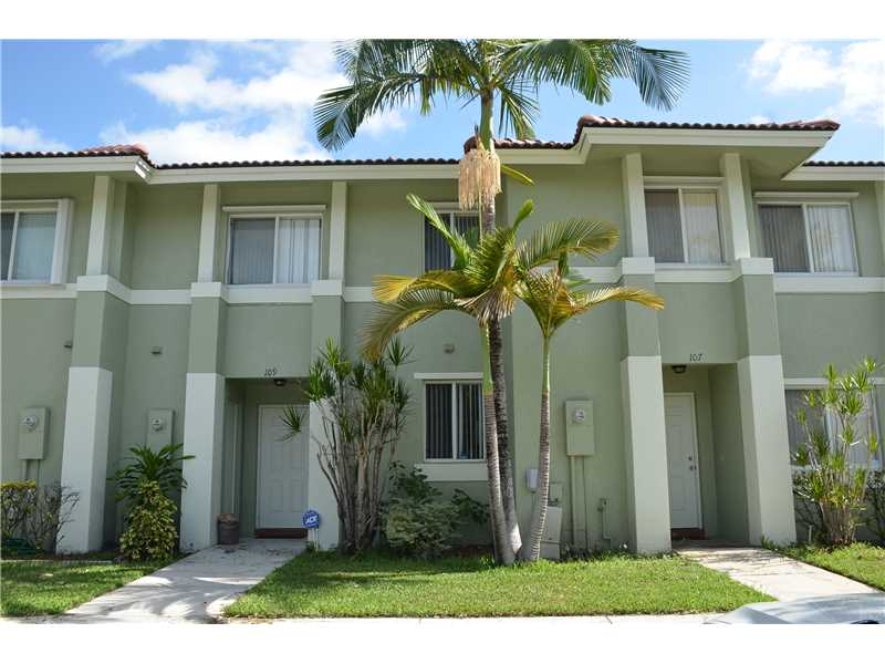 109 Hidden Court Rd, Hollywood, FL 33023