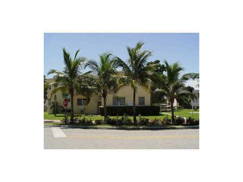 7124 Bay Dr, Miami Beach, FL 33141
