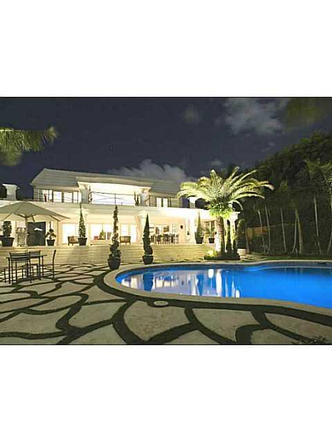 4424 N Bay Rd, Miami Beach, FL 33140