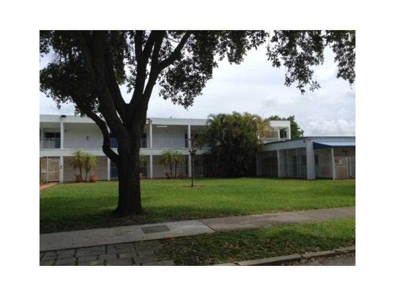 1704 Buchanan St, Hollywood, FL 33020