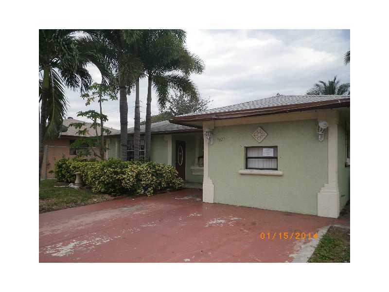 Rental Homes for Rent, ListingId:34296224, location: 1423 South N ST Lake Worth 33460