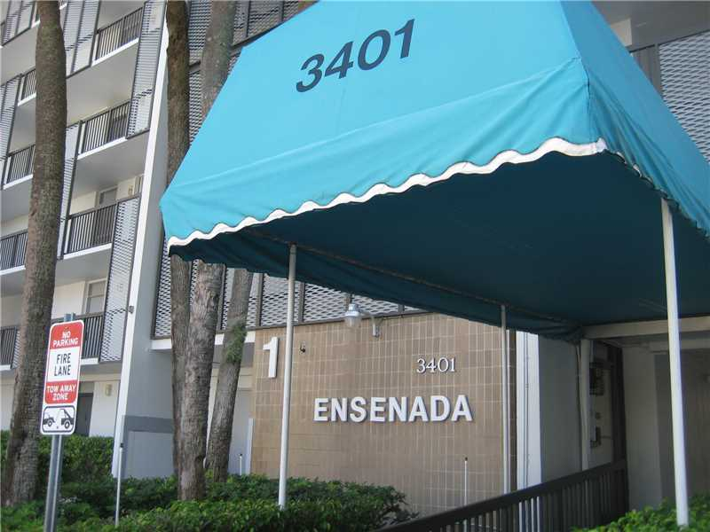 Rental Homes for Rent, ListingId:34351465, location: 3401 North COUNTRY CLUB DR Aventura 33180