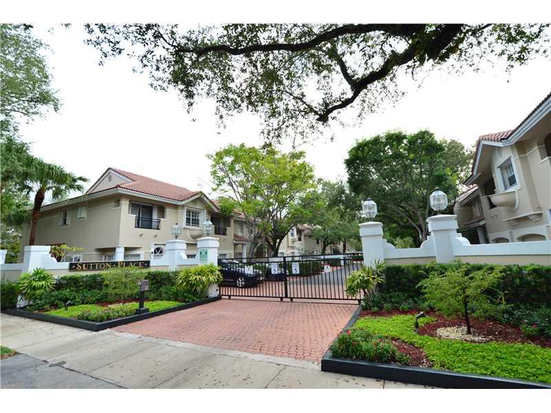 8996 Sw 68th Pl, Miami, FL 33156