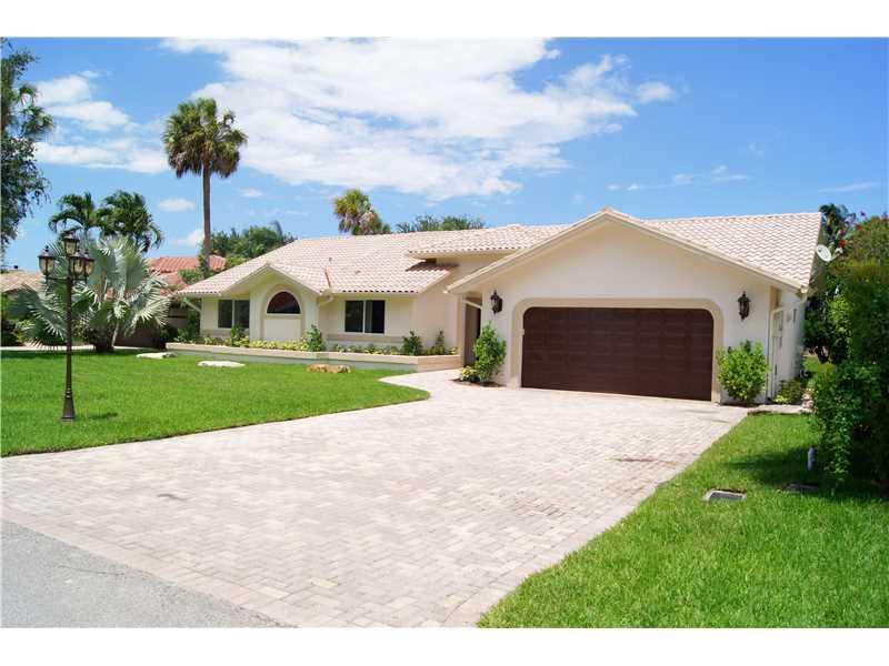 2751 Oak Tree Ln, Ft Lauderdale, FL 33309