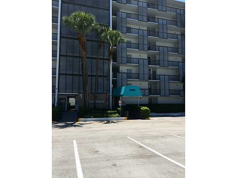 Rental Homes for Rent, ListingId:34408761, location: 3401 North COUNTRY CLUB DRIVE Aventura 33180