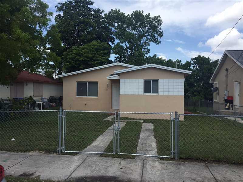 1885 Nw 70th St, Miami, FL 33147