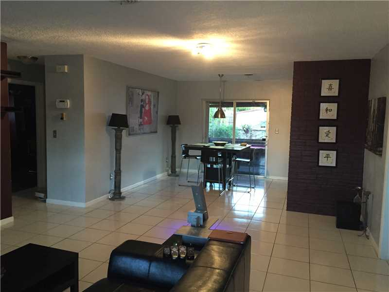 4280 Nw 4th St, Fort Lauderdale, FL 33317