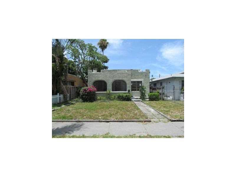 1723 Jefferson St, Hollywood, FL 33020