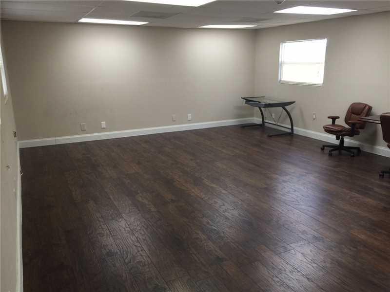 6700 Griffin Rd, Davie, FL 33314