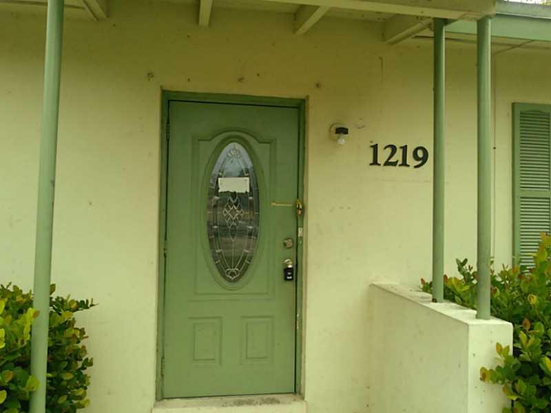 1219 Chateau Park Dr, Fort Lauderdale, FL 33311