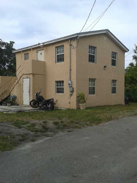 1680 Ne 168th St, North Miami Beach, FL 33162