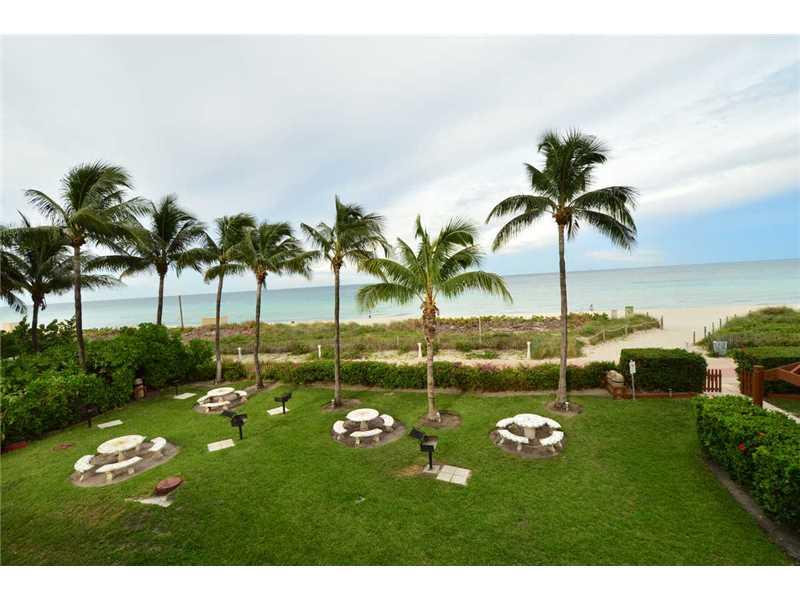 6767 Collins Ave # 705, Miami Beach, FL 33141