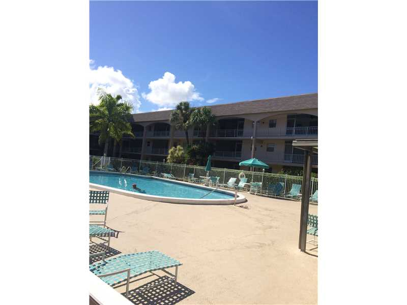Rental Homes for Rent, ListingId:34694301, location: 541 BLUE HERON DR Hallandale 33009