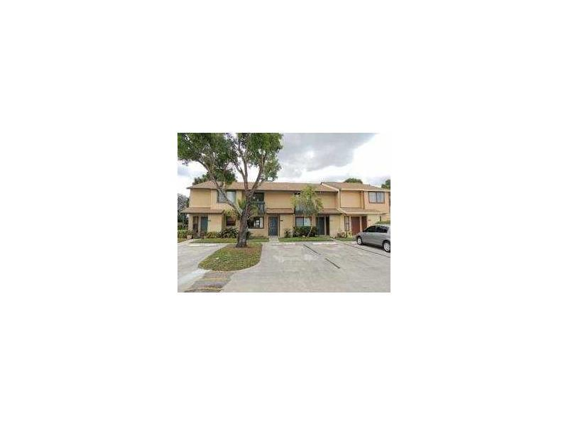 303 Shoreview Dr, Lake Worth, FL 33463