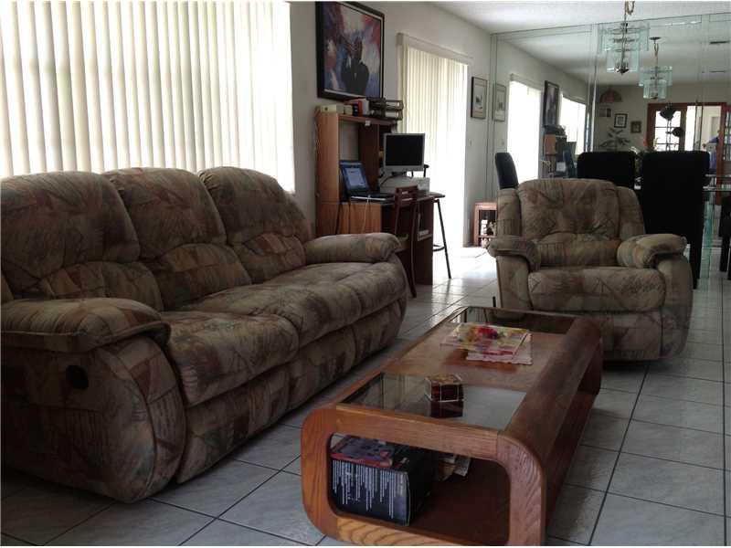 Real Estate for Sale, ListingId: 34707995, Hollywood,FL33020