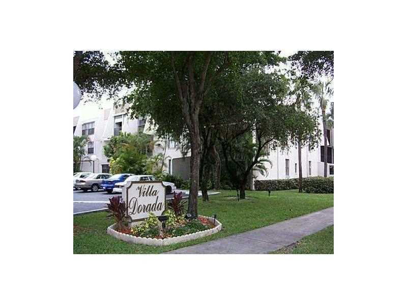 20350 W Country Club Dr, Aventura, FL 33180