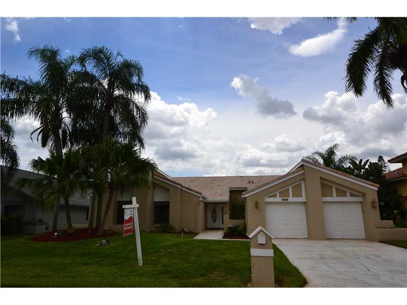 Real Estate for Sale, ListingId: 34737505, Tamarac,FL33321