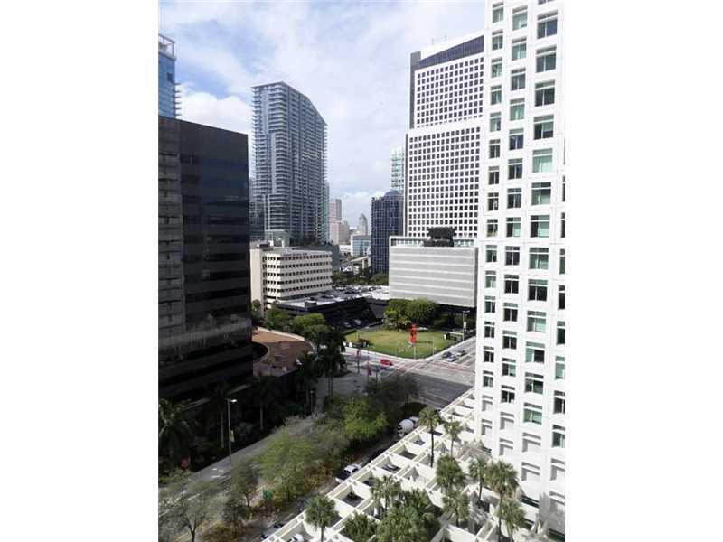 950 Brickell Bay Dr # 1400, Miami, FL 33131