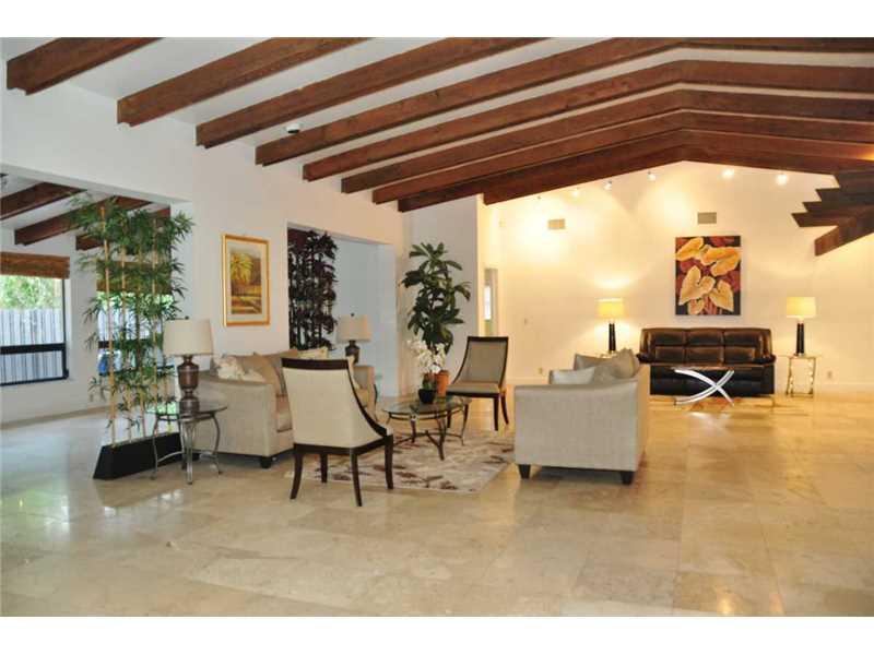 Real Estate for Sale, ListingId: 34860213, Hollywood,FL33021