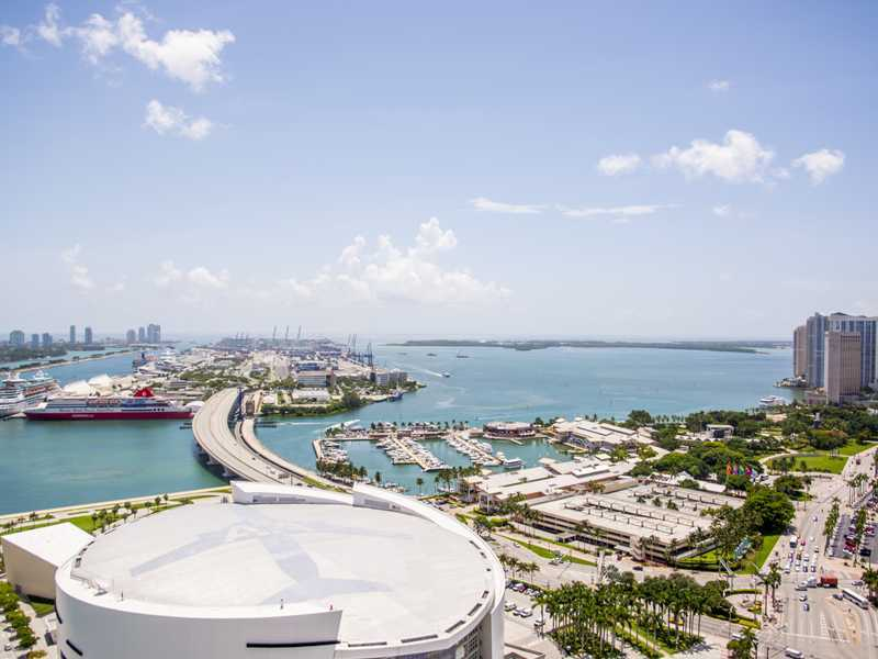 Rental Homes for Rent, ListingId:34888925, location: 888 BISCAYNE BL Miami 33132