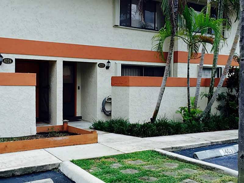 Rental Homes for Rent, ListingId:35065710, location: 4226 Southwest 70 TE Davie 33314