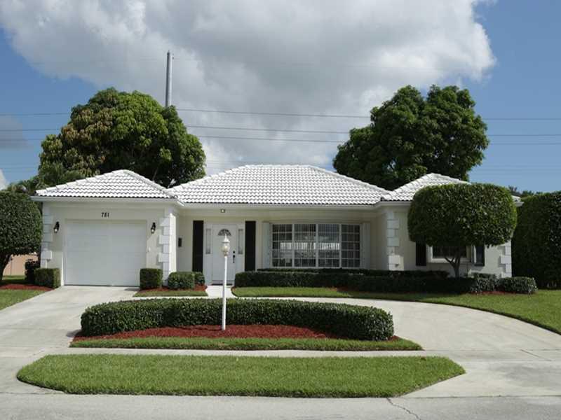 781 Apple Tree Ln, Boca Raton, FL 33486