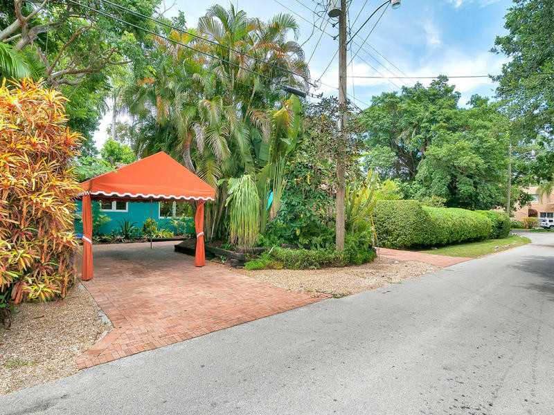 2471 Abaco Ave, Coconut Grove, FL 33133