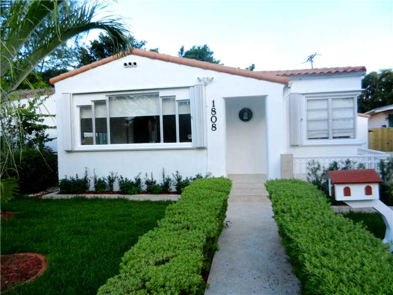 One of Miami Beach 3 Bedroom Pool Homes for Sale