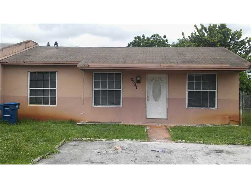 2841 NW 195th St, Opa Locka, FL 33056