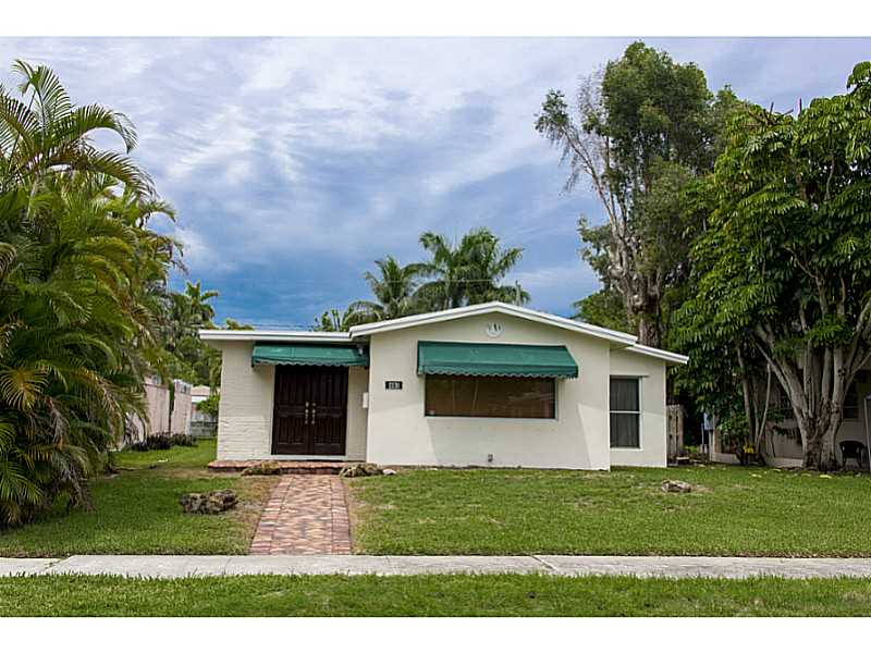 1331 Jackson St, Hollywood, FL 33019