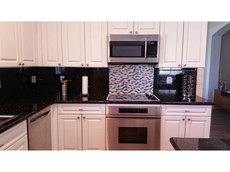 Real Estate for Sale, ListingId: 35142638, Pembroke Pines,FL33027